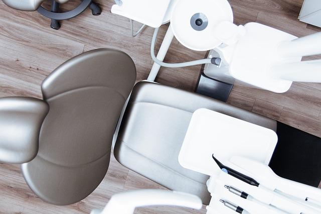 křeslo u dentisty
